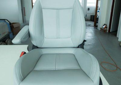 Kožená sedačka po renovaci