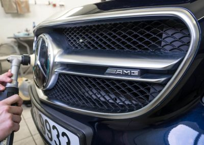 čištění znaku MB E212 AMG