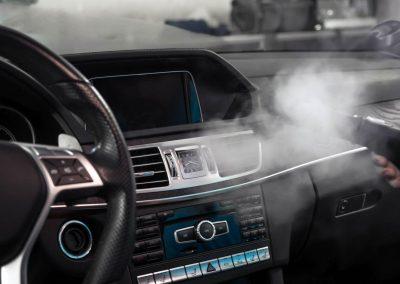 detailní čištění interiéru MB E212 AMG