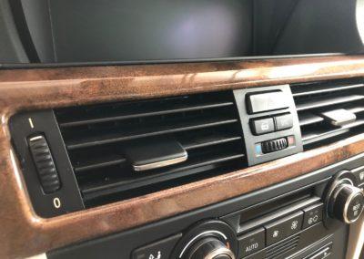 detailní mytí interiéru vozu