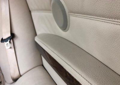 detailní péče o kožené části vozu